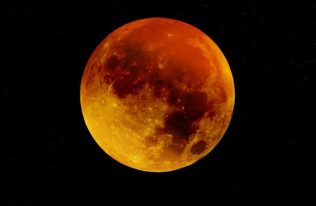 How to Photograph the Super Blue Blood Moon